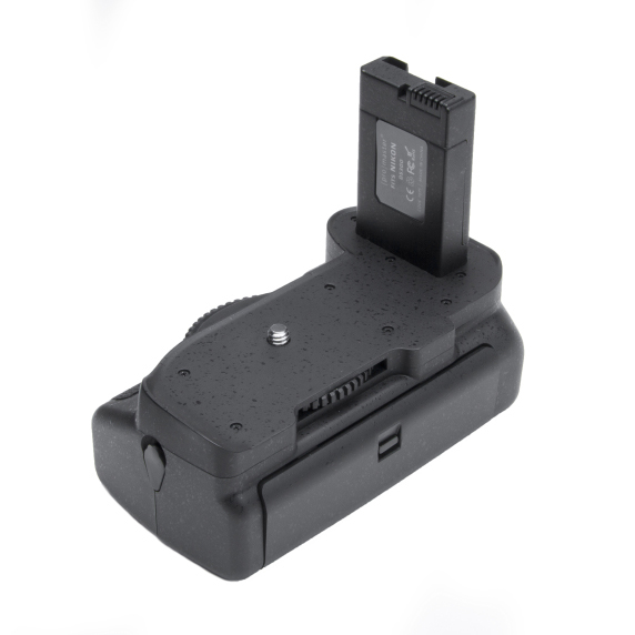 ProMaster Battery Grip for D5300