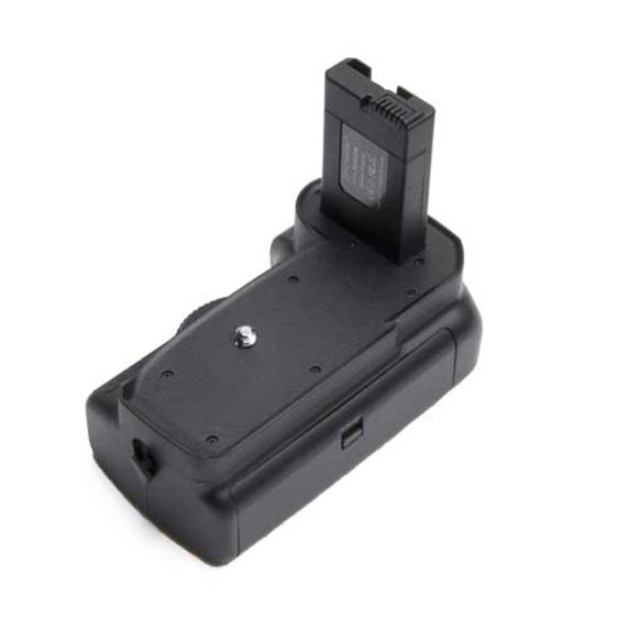 ProMaster Battery Grip for D5100 & D5200