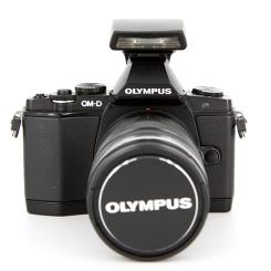 OM-D EM-5 & 12-50mm F3.5-6.3 - Usagé