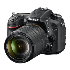 D7200 with 18-140mm VR